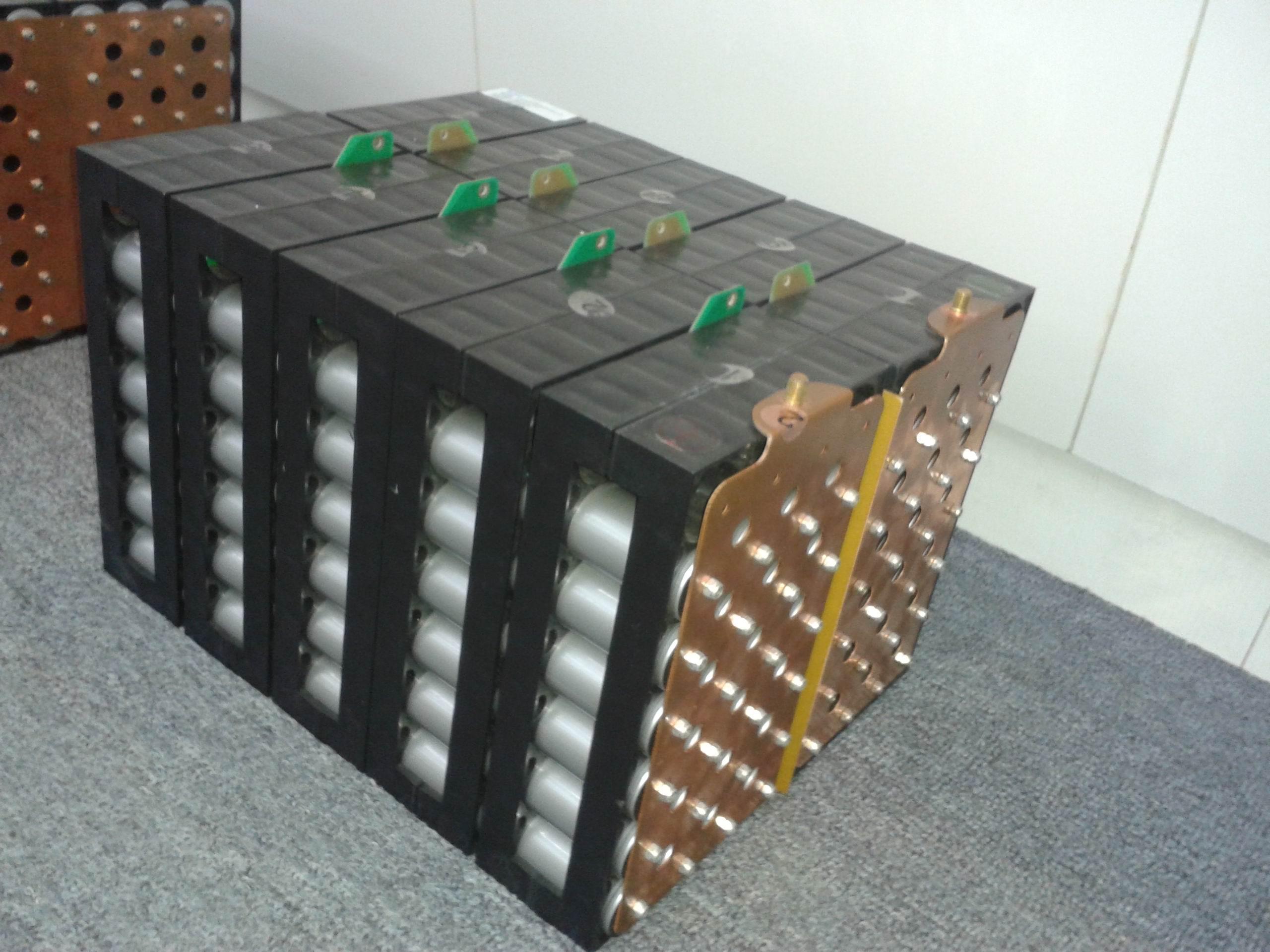 电动汽车用lfp动力电池模组